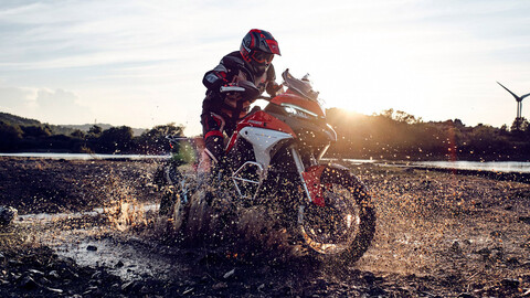 Ducati Multistrada V4 2021 llegará a Chile en febrero con inéditas asistencias de manejo