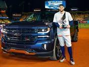 Chevrolet premia al MVP de la Serie Mundial 2017 con un Silverado Centennial Edition 2018