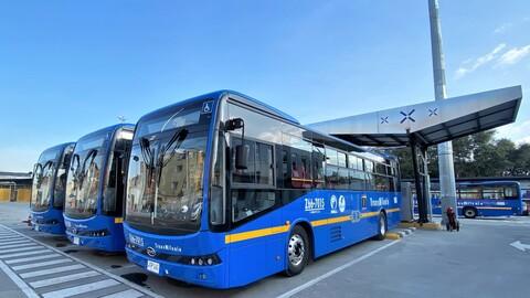 En Bogotá ya ruedan 259 buses eléctricos por Transmilenio