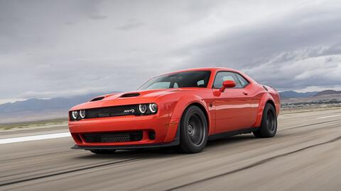 Dodge Challenger SRT Super Stock 2021, tu mejor aliado para el cuarto de milla