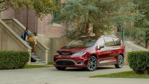 La Chrysler Pacifica es galardonada con el título de: mejor auto para viajar con niños