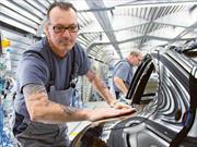 Porsche contrará 1,400 empleados para el desarrollo y producción de su auto eléctrico