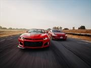 Tesla Model S P100D vs Chevrolet Camaro ZL1, una pareja dispareja
