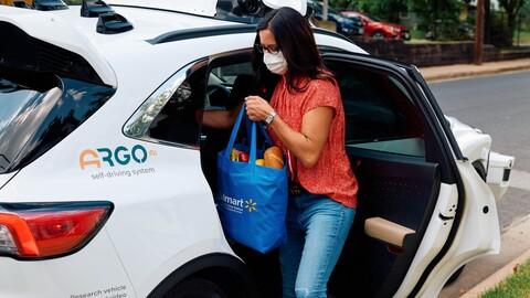 Vehículos autónomos de Ford entregarán pedidos de Walmart