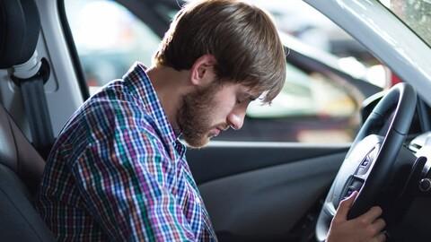 ¿Por qué es tan importante conducir sin sueño ni cansancio?