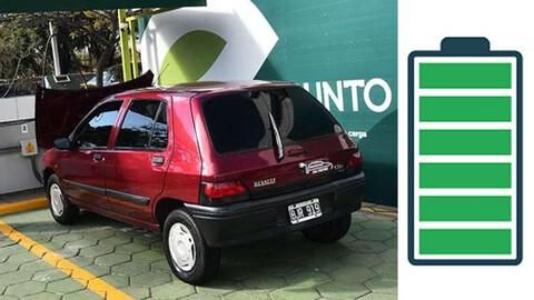 Conoce el Renault Clio 1998 que fue transformado a auto eléctrico
