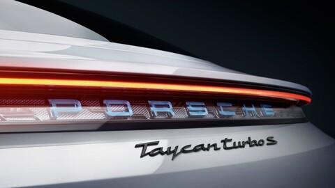 Quien compre un Porsche Taycan debe esperar más meses de lo normal para recibirlo