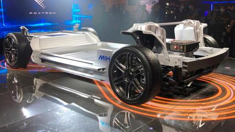 Foxconn, la empresa que fabrica el iPhone, ahora devela un chasis para coches eléctricos