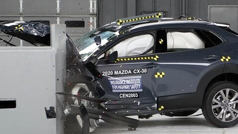Mazda CX-30 2021 se lleva la evaluación máxima en las pruebas de impacto de la IIHS