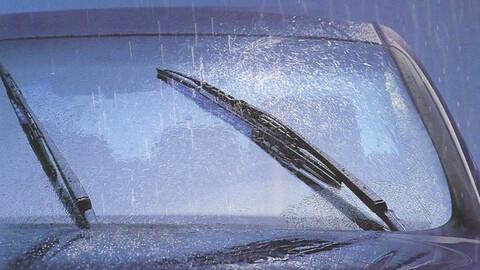 Cómo alargar la vida útil de los limpiaparabrisas del automóvil
