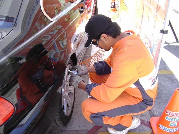 Los latinoamericanos andamos con los neumáticos desinflados