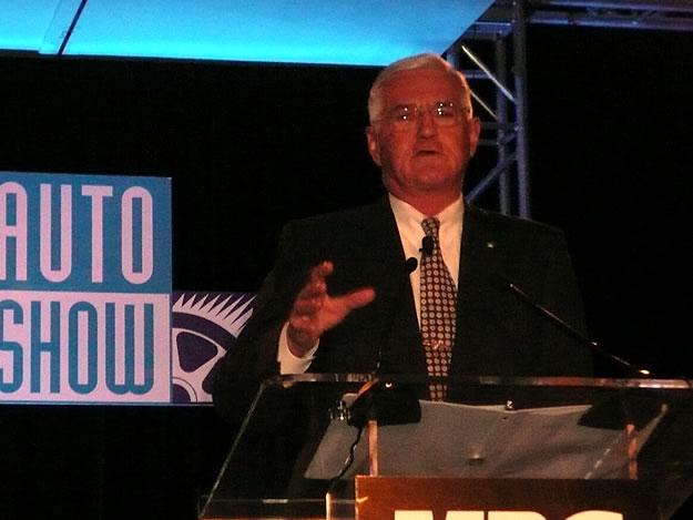 Bob Lutz habla sobre la renuncia de Fritz Henderson