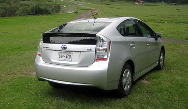Toyota llama a revisión al Prius