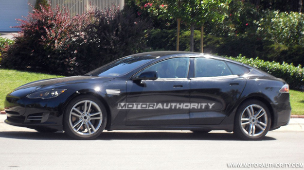 Foto espia del eléctrico Tesla S