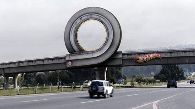 Un loop de Hot Wheels en tamaño real