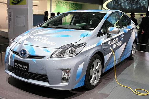 El Toyota Prius auto del año en el Salón de Tokio