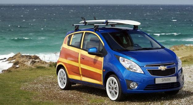 "Chevrolet Spark ""Woody Wagon"" con aire retro"
