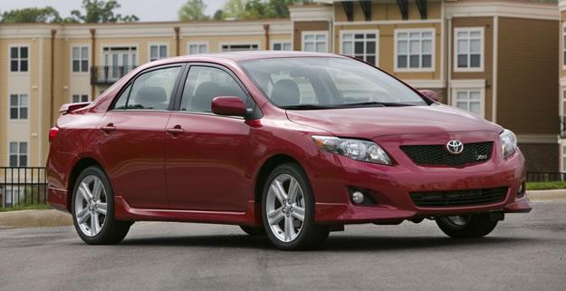 Error humano en la mayoría de los casos Toyota según la NHTSA
