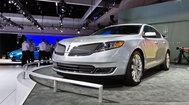 Lincoln MKS 2013 debuta en el Salón de Los Angeles