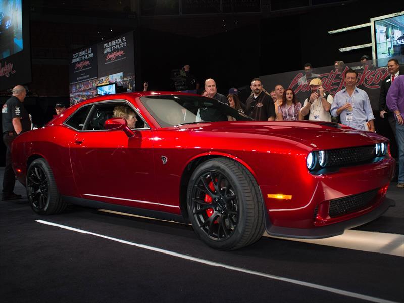 Dodge Challenger SRT Hellcat 2015 es vendido en 1.65 ...