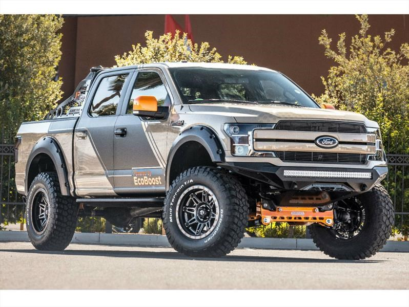 Ford F-150 4×4 Lariat SuperCrew CJ Pony Parts, un depredador