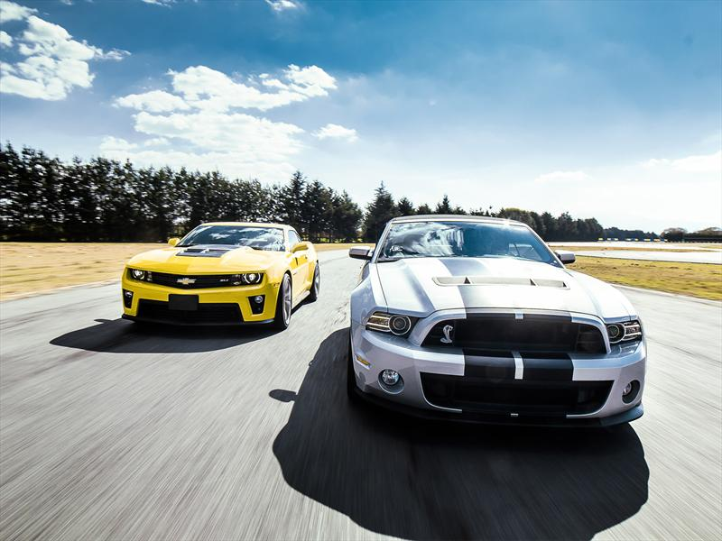 Lo Mejor De 2012 Ford Mustang Shelby Gt500 Vs Chevrolet