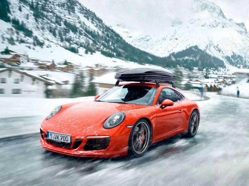 Estas elegantes cajas portaequipaje para techo son cortesía de Porsche Design