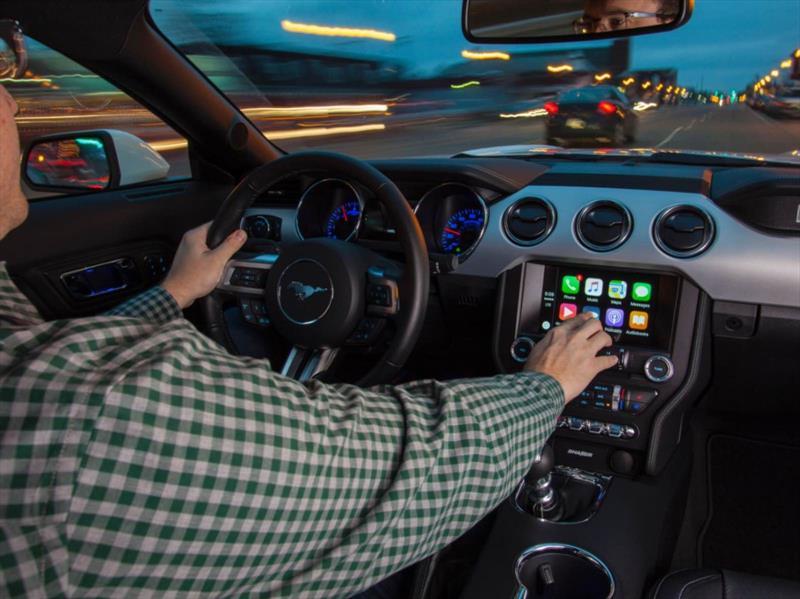 Apple CarPlay y Android Auto en todos los Ford