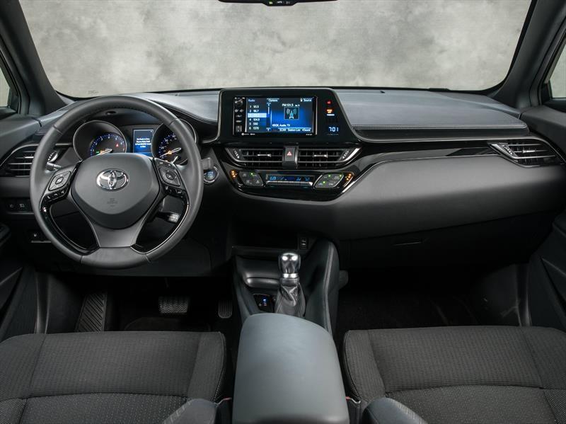 Toyota y Lexus ofrecerán Amazon Alexa en sus vehículos