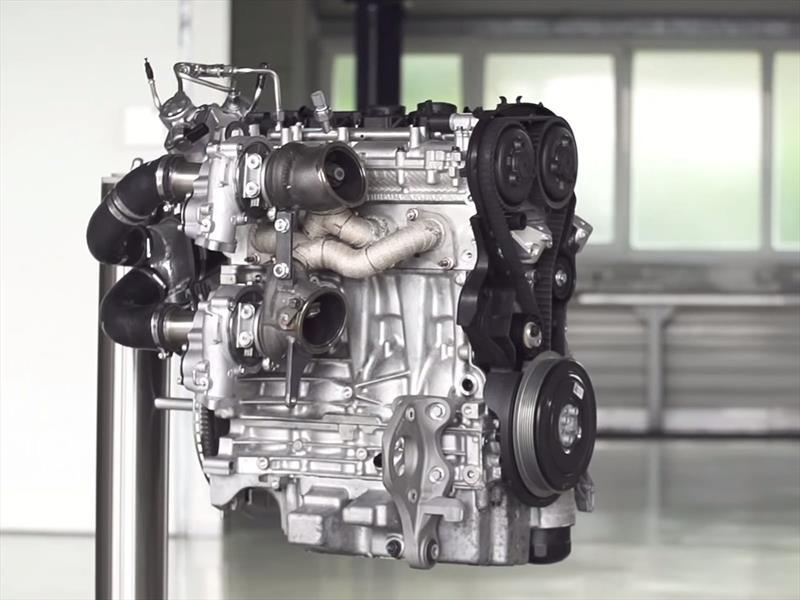 Volvo obtiene 450 hp de un 2 litros con tres turbos