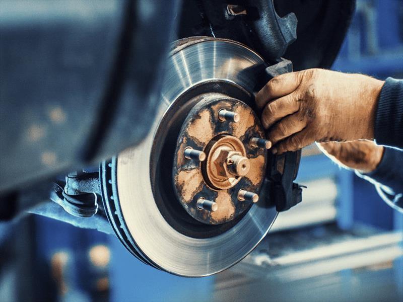 ¿Cómo evitar un accidente si el auto se queda sin frenos?