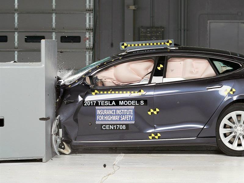 Video: Tesla Model S no tuvo el mejor papel en las pruebas de choque