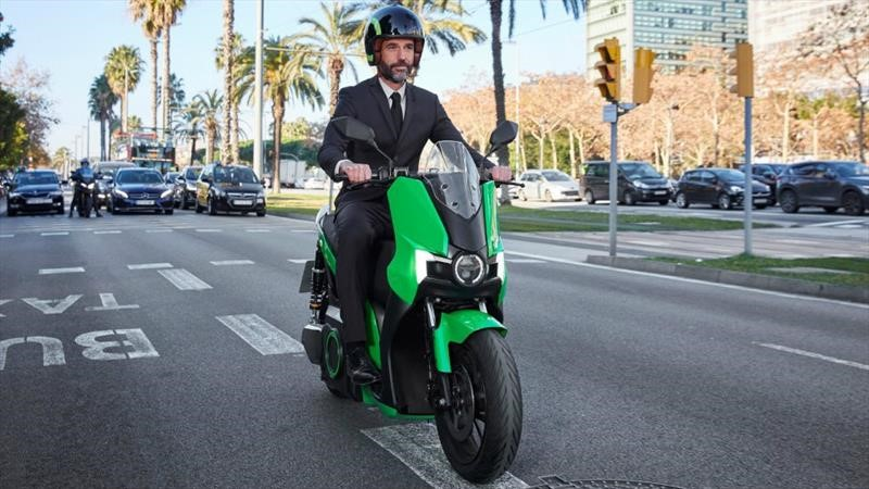 SEAT venderá motonetas eléctricas