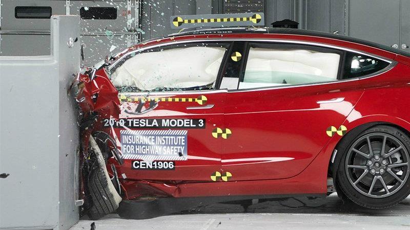 Tesla Model 3 es reconocido con el Top Safety Pickp+ (Plus)