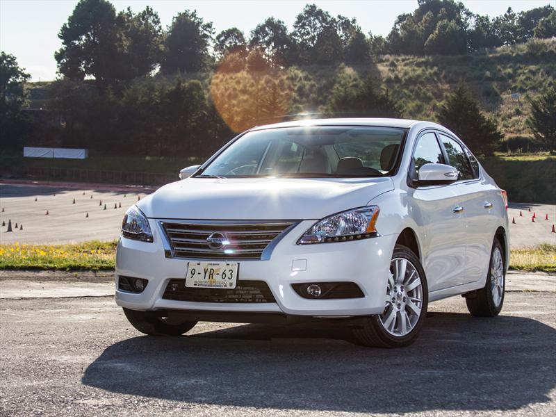 Imagenes Del Sentra 2018 >> Nissan Sentra Exclusive Navi 2013 a prueba - Autocosmos.com