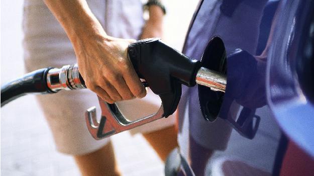Tips para ahorrar combustible en tu vehículo