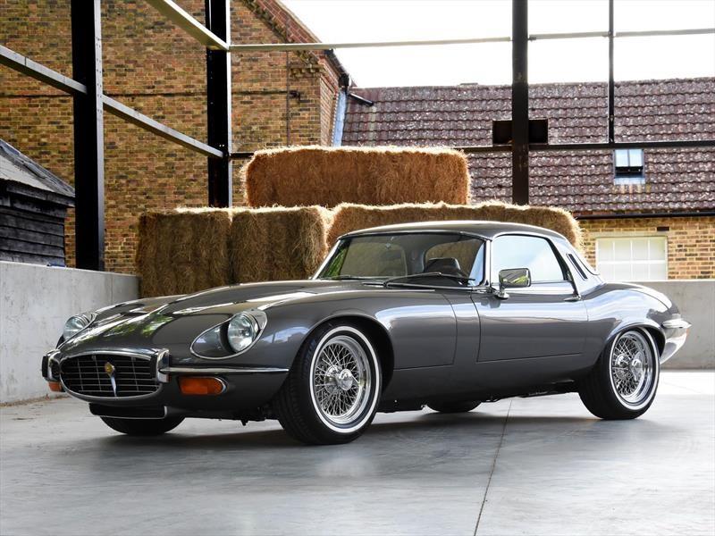 Este Jaguar E-Type 1974 sólo tiene de clásico la carrocería
