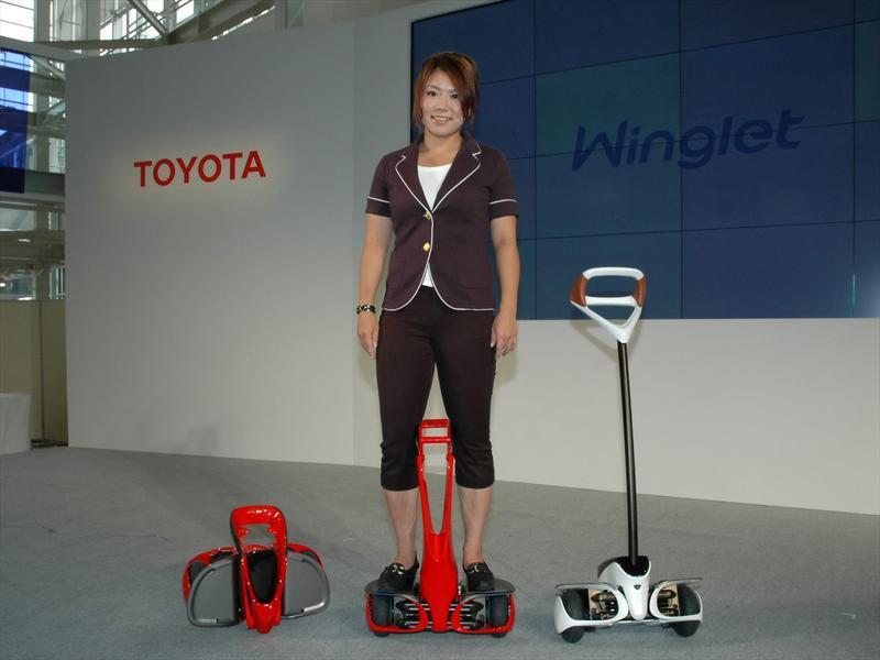 Toyota Winglet: Viajar de pie en dos ruedas