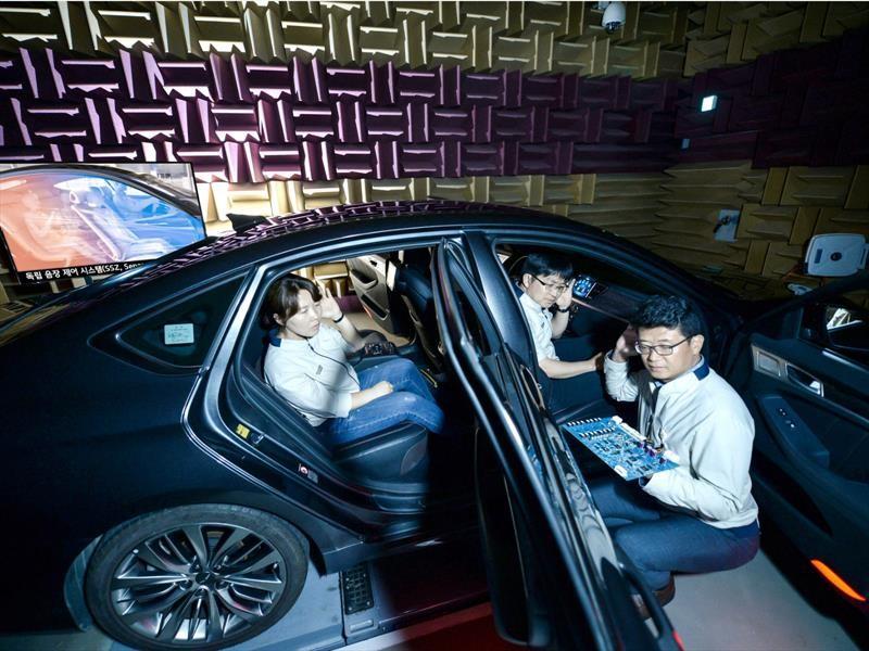 KIA le dice no a los audífonos dentro de sus vehículos