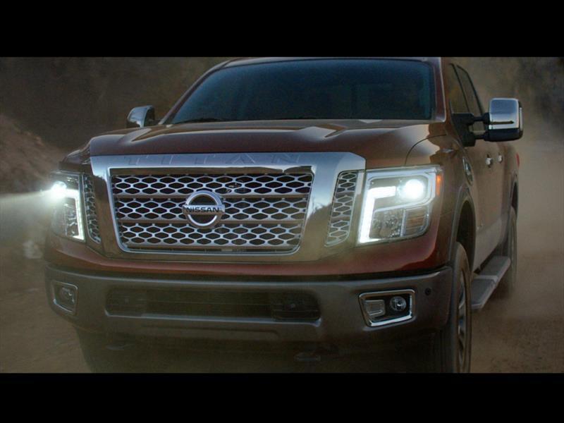 Video: Nissan Titan XD 2016 rinde tributo a Chevrolet, Ford y Ram