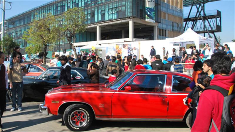 Exhibición de autos clásicos reunió a los amantes tuercas
