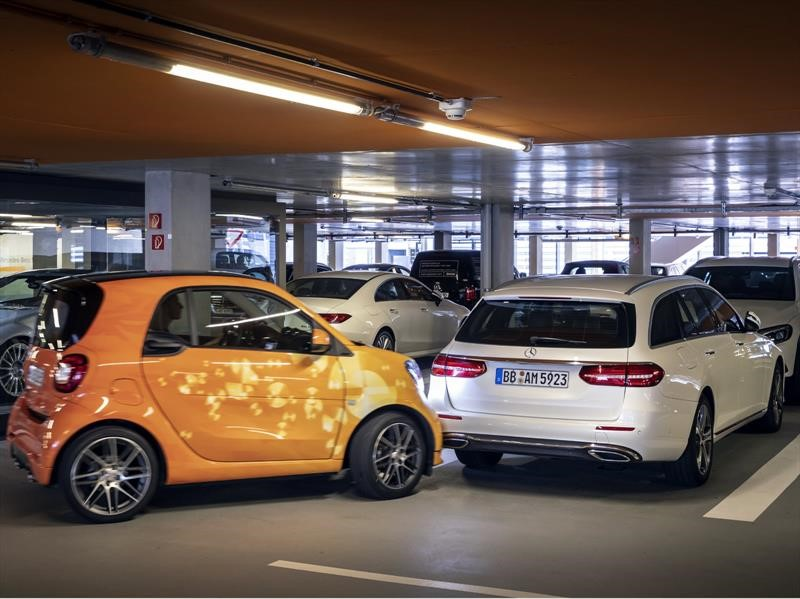 Mercedes-Benz y Bosch desarrollan un valet parking automático