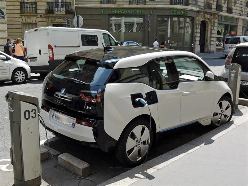 Cupos para importar vehículos eléctricos podrían desaparecer