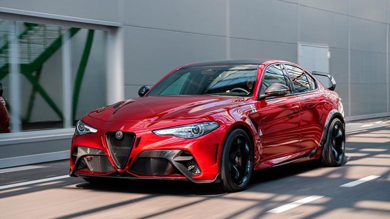 Alfa Romeo Giulia GTA y GTAm, a la caza de los AMG, RS y M