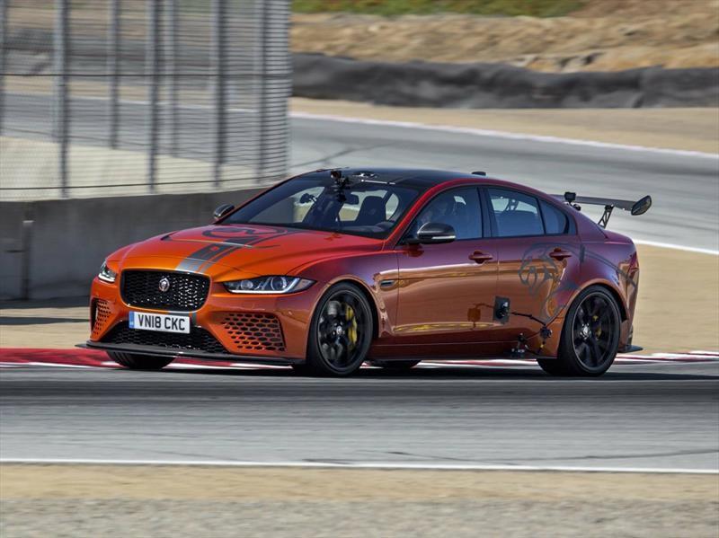 Jaguar XE SV Project 8 impone récord en el circuito de Laguna Seca