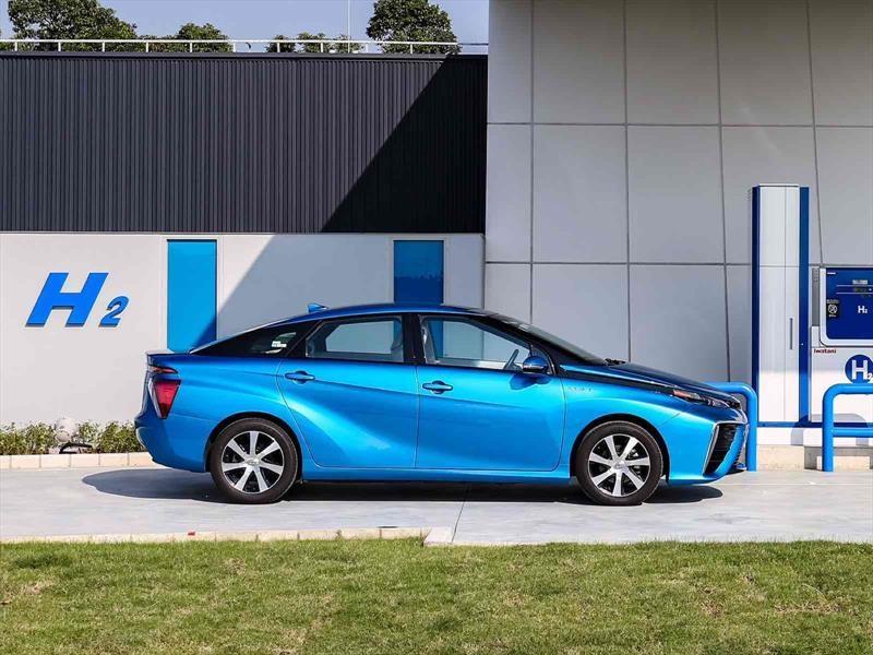 toyota y lexus sólo venderán vehículos eléctricos en 2025