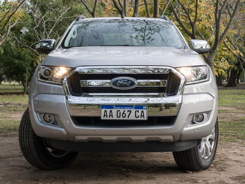Manejamos la nueva Ford Ranger 3.2L en Argentina