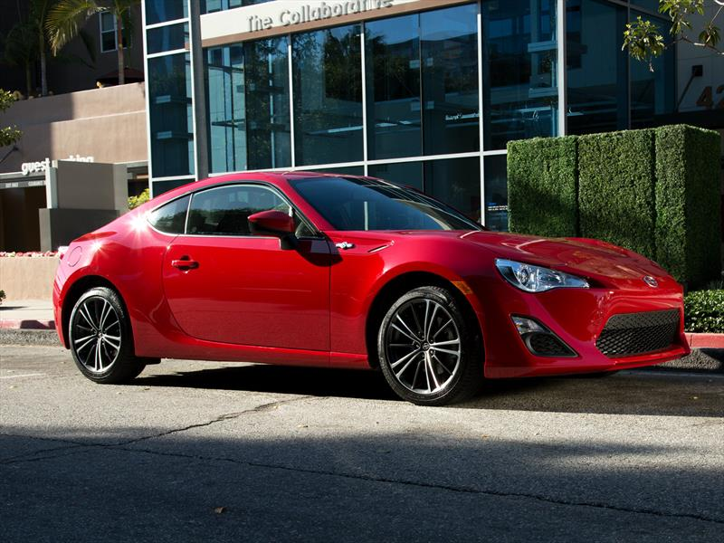 Scion FR-S 2016 disponible desde $25,305 dólares