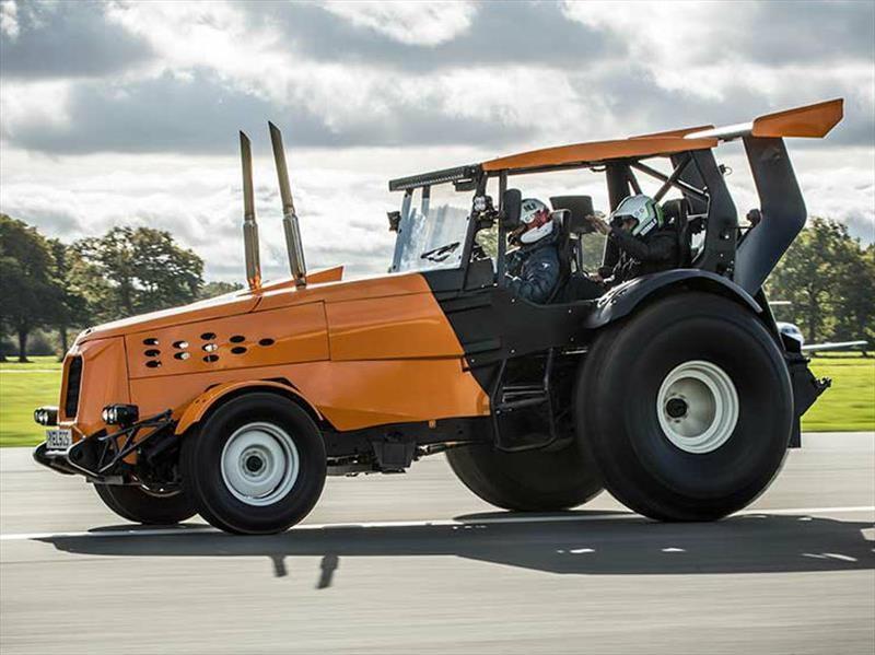 Track-tor es el tractor más rápido del mundo