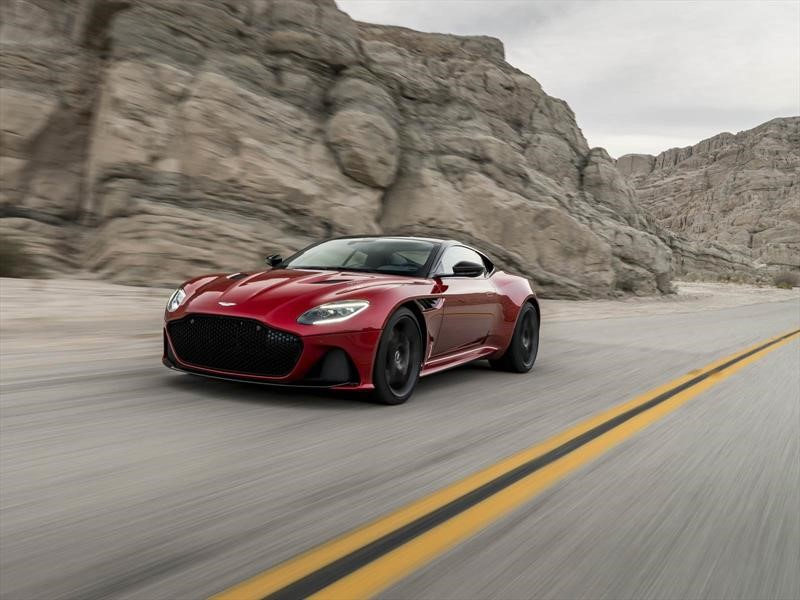 Aston Martin DBS Superleggera, una fuerza imparable